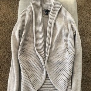 H&M grey sweater x-small gently used